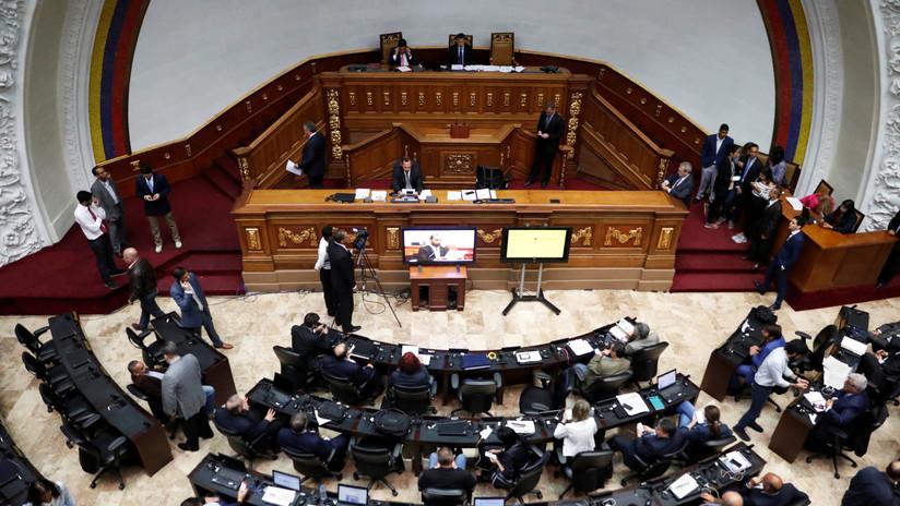 """Parlamento venezolano """"designa"""" a embajadores en países que reconocen a Guaidó como """"presidente encargado"""""""