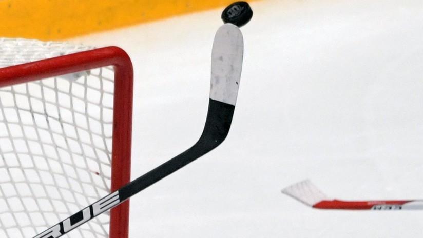 VIDEO: Vuelve a la vida tras un brutal impacto un jugador de hockey gracias a su entrenador
