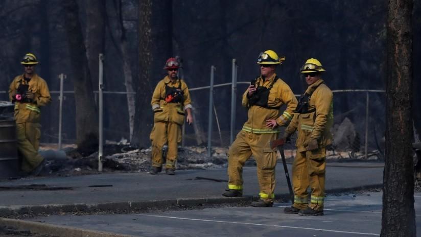 VIDEO: Gran incendio en una fábrica de papel de Nueva Jersey