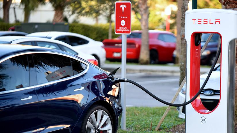 Tesla reporta que tuvo pérdidas de casi 1.000 millones de dólares en el 2018