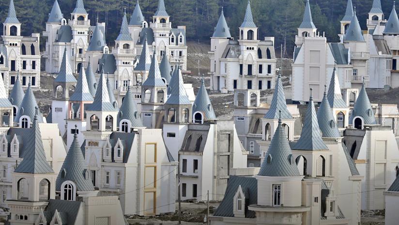 VIDEO: Un dron capta más de 580 castillos al estilo Disney abandonados en las montañas de Turquía