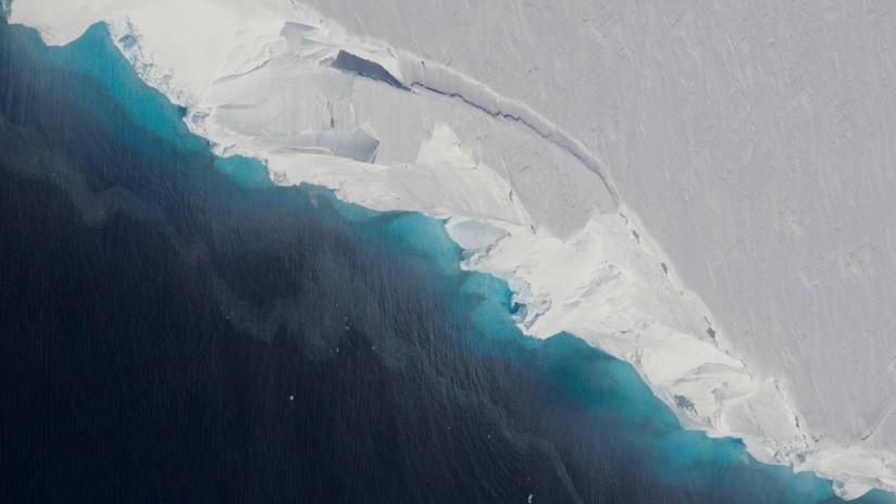 Un gigantesco hueco oculto bajo un glaciar antártico amenaza con incrementar el nivel del mar