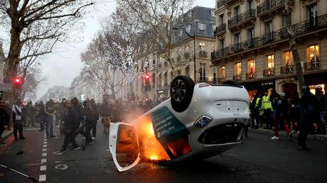 Protestas de los 'chalecos amarillos' en el Boulevard Saint Germain en París, 5 de enero de 2019.