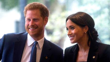 El príncipe Enrique de Inglaterra y la duquesa de Sussex, Meghan, durante la ceremonia anual de los premios WellChild en Londres (Reino Unido), 4 de septiembre de 2018.