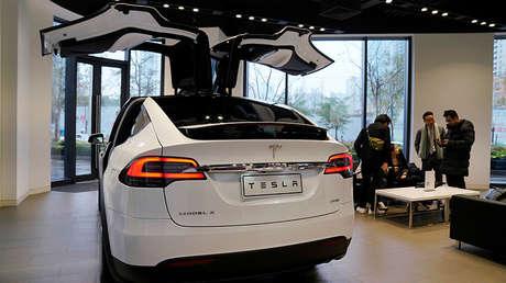 Sala de exposiciones de Tesla en Shanghái, China, el 7 de enero de 2019.