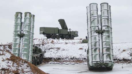 Sistemas de misiles antiaéreos S-400 Triumf.