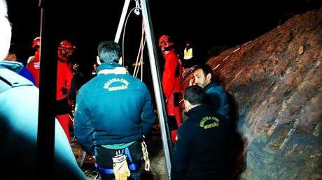 Guardias civiles participan en el rescate del pequeño Julen. en Totalán, Málaga, España, el 14 de enero de 2019.