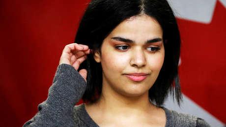 Rahaf Mohammed,  que huyó a principios de enero de los maltratos de su familia,en el centro de educación Corvetti en Toronto (Canadá), 15 de enero de 2019.
