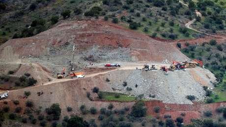 Trabajos de rescate en el área donde un niño cayó a un pozo profundo en Totalán, Málaga (España). 19 de enero de 2019.