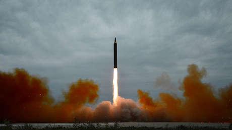 Lanzamiento de un misil por parte de Corea del Norte, el 30 de agosto de 2017.