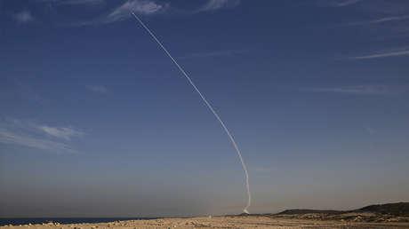 El ensayo del sistema de defensa de misiles balísticos Arrow cerca de Ashdod, Israel, 10 de diciembre de 2015.