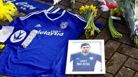 Homenajes a Emiliano Sala en el Estadio de la ciudad de Cardiff Gran Bretaña, 23 de enero de 2019.