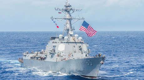 El destructor de la Armada de EE.UU. USS McCampbell
