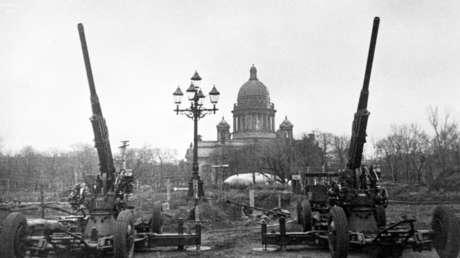 La ciudad de Leningrado, el 1 de abril de 1942.