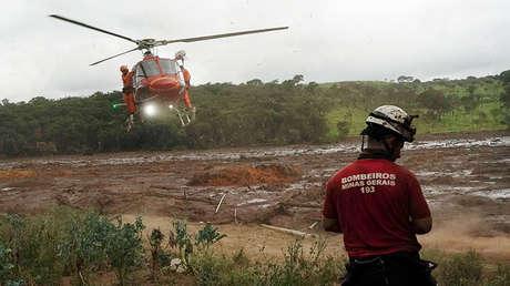Rescate de un cuerpo encontrado en el lodo cerca de Brumadinho (Brasil), el 26 de enero de 2019.
