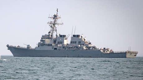 El destructor de misiles guiados de la clase Arleigh Burke, USS Donald Cook navegando en el Mar Negro,  enero de 2019.