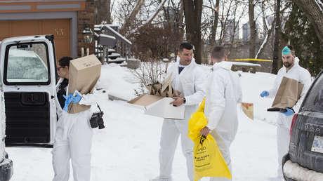 Cuatro forenses en la casa donde Bruce McArthur escondía los restos de sus víctimas, Toronto, Ontario, Canadá, 8 de febrero de 2018.