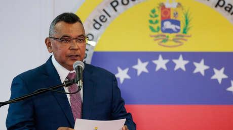 Néstor Reverol, habla durante una conferencia de prensa en Caracas, Venezuela, el 5 de agosto de 2018.
