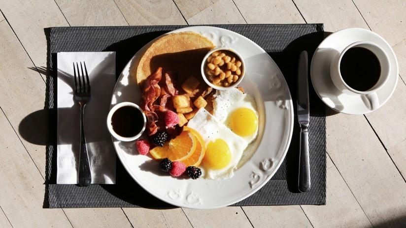 Desmienten el mito de que desayunar ayuda a perder peso