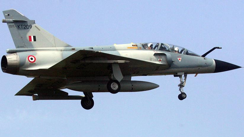 FOTOS, VIDEOS: Un avión de combate Mirage 2000 se estrella en la India y deja dos muertos