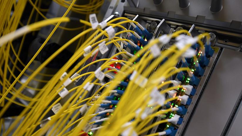 """Todo un país sufre un """"desastre"""" al permanecer varios días sin Internet por el corte de un cable"""