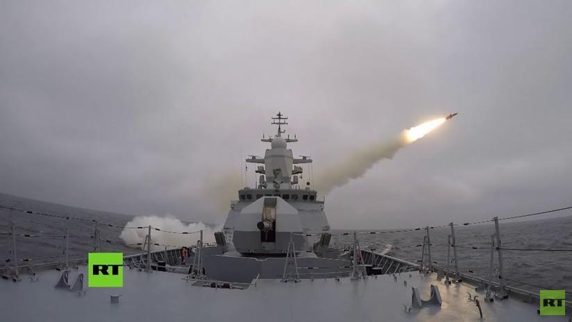 VIDEO: Una corbeta de la Flota del Mar Báltico de Rusia dispara sus misiles