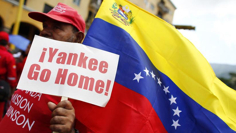 """Humanismo """"inhumano"""": Caracas critica a EE.UU. por prometerle ayuda mientras respalda """"un Gobierno títere"""""""