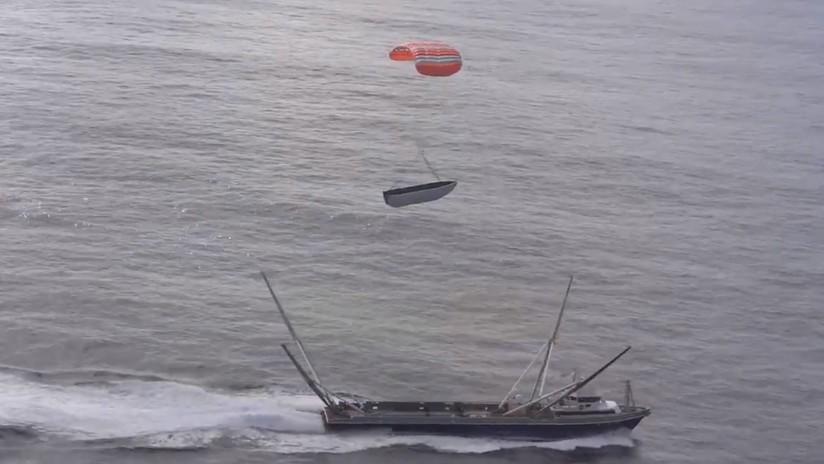 VIDEO: SpaceX vuelve a fallar en su intento de atrapar un millonario carenado con una 'telaraña gigante' instalada en un barco