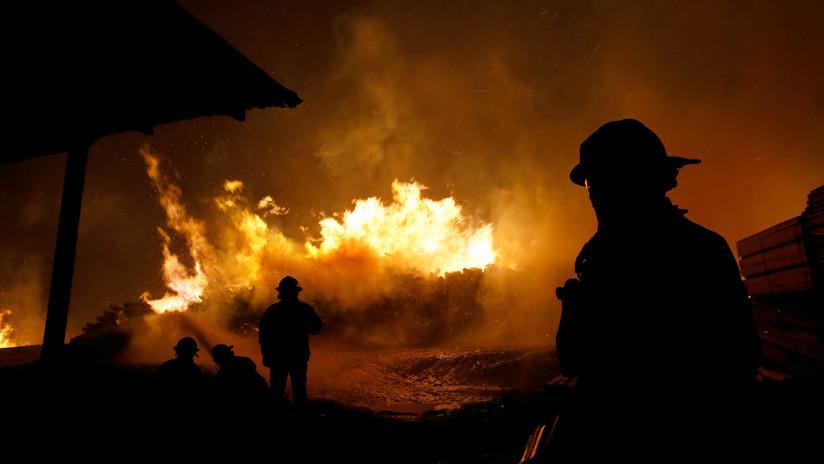 VIDEOS, FOTOS: Dos fallecidos en la ola de incendios que sacude a Chile