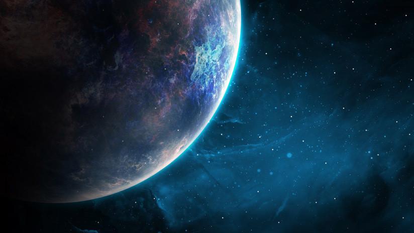 El principal astrónomo de Harvard afirma que una nave alienígena está cerca de la Tierra (y le importan poco las críticas)