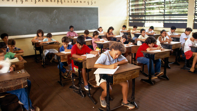 Escuela Sin Partido, la polémica ley que pretende vetar la sexología o la política en las aulas brasileñas