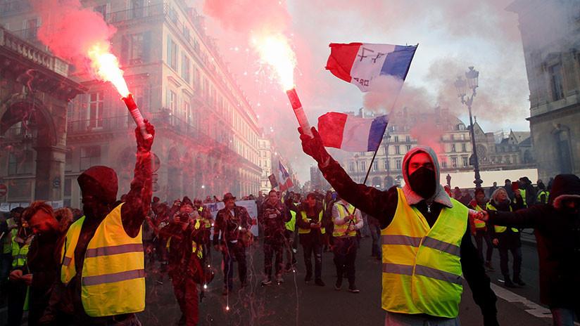 VIDEO: La Policía usa gas lacrimógeno en una manifestación en el centro de París