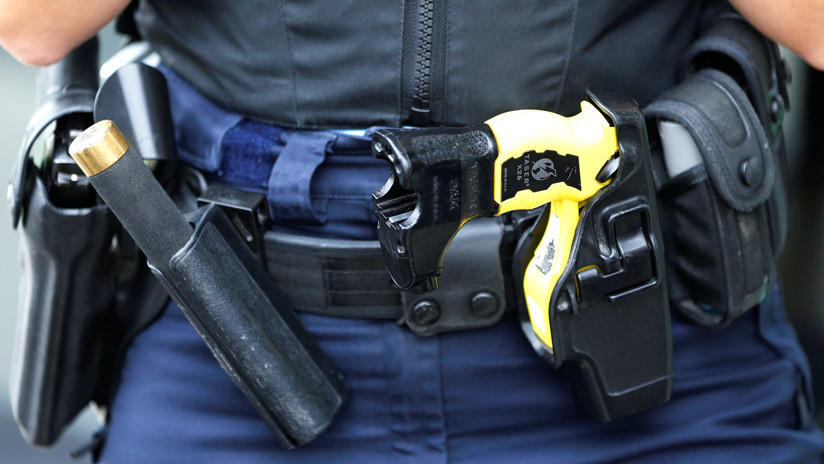 VIDEO: Policías usan una pistola eléctrica contra una alumna en Chicago