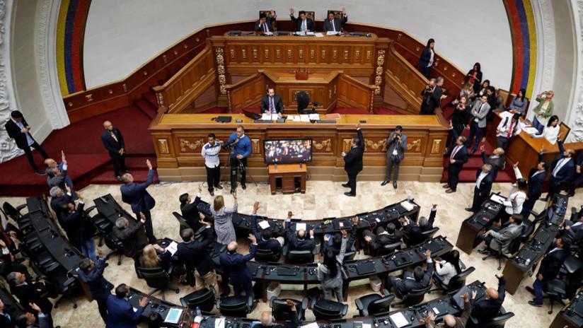 La Asamblea Nacional de Venezuela aprueba la 'Ley del Estatuto para la Transición' de gobierno
