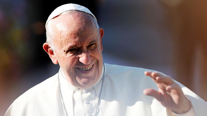 VIDEO: Ofrecen donar un millón de dólares si el papa Francisco se vuelve vegano durante 44 días