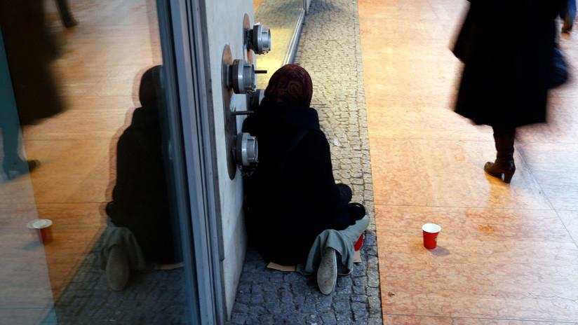 """""""Quiero vivir, no sobrevivir"""": Exsupermodelo española pasó de ganar un millón por 20 días a dormir en la calle (FOTOS)"""
