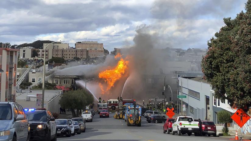 VIDEOS: Enormes llamas y columnas de humo tras explosión en una línea de gas en San Francisco