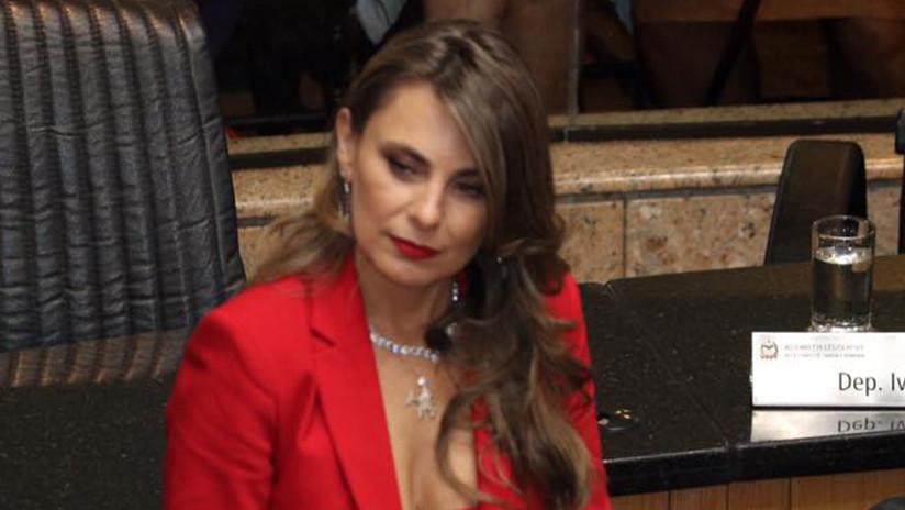 Vestimenta escotada de legisladora genera polémica — Brasil