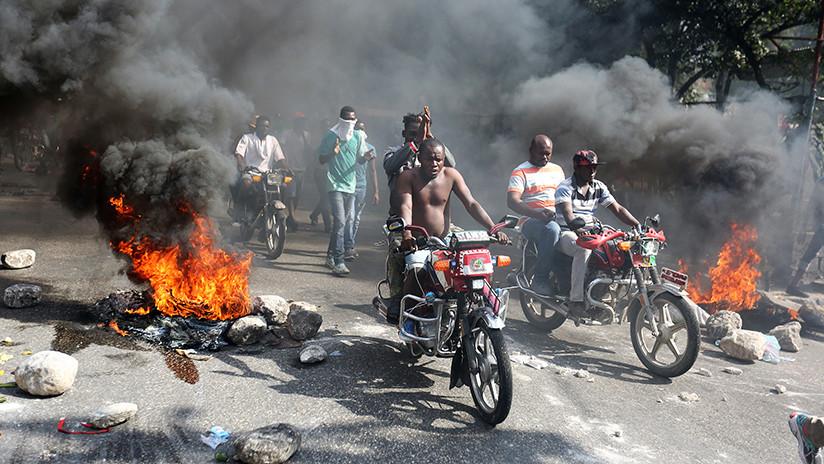 Multitudinarias protestas contra la inflación y la corrupción se cobran la vida de dos personas en Haití