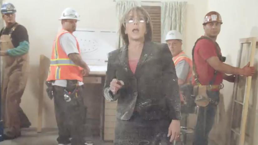 'De cabeza contra el muro': Gobernadora de EE.UU. se graba rompiendo paredes en un video-ataque a Trump (VIDEO)