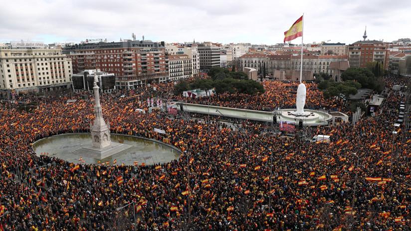 """Manifestación de la derecha en Madrid contra """"la deriva suicida del Gobierno de Sánchez"""" (VIDEO)"""