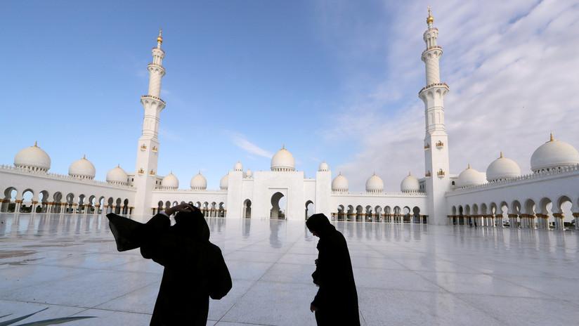 Mujer emiratí huye de su familia y pide asilo tras ser amenazada por querer divorciarse