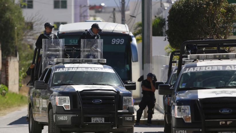 VIDEO: Coloca su autobús justo a tiempo y salva a una joven que intenta suicidarse