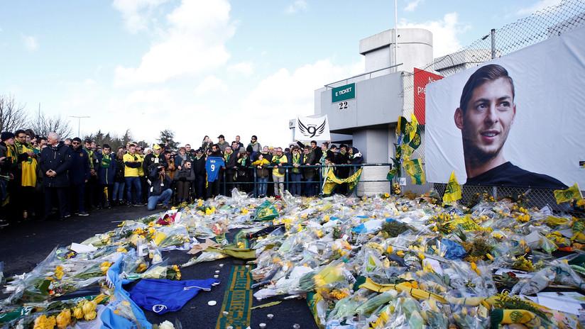 """Equipo forense afirma que el futbolista Emiliano Sala murió por """"lesiones en la cabeza y el tronco"""""""