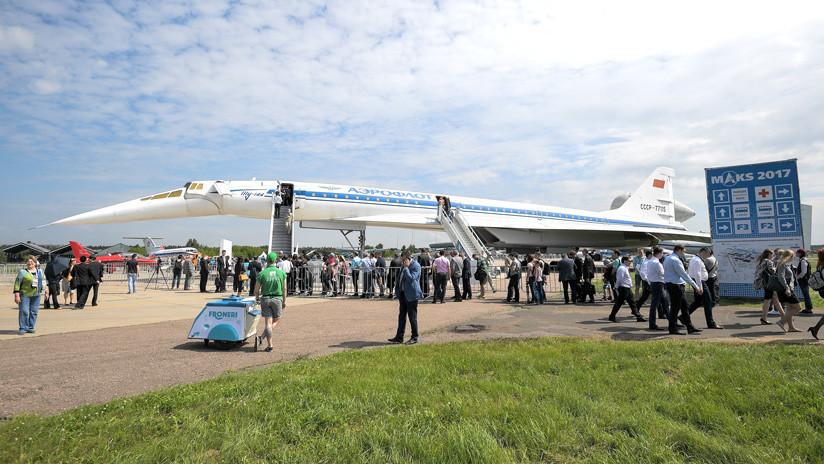"""Putin: El """"brillante"""" Tu-160 podría convertirse en una aeronave supersónica de pasajeros"""