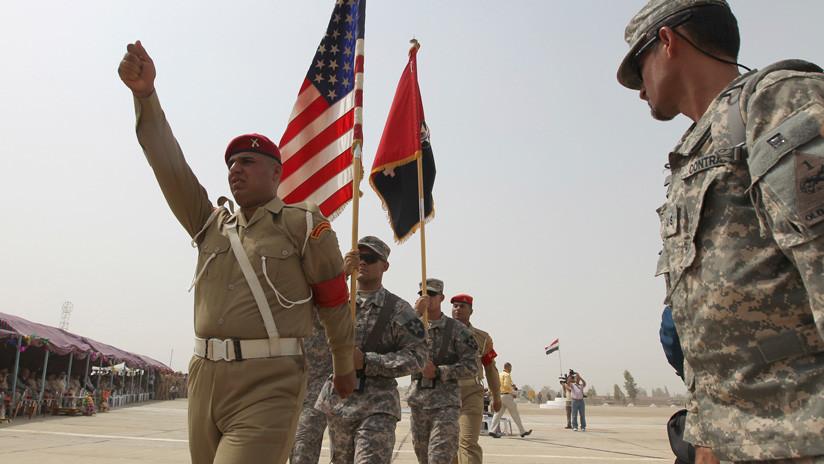 """""""Por una Irak independiente y soberana"""": El secretario interino de Defensa de EE.UU. llega a Bagdad en visita no anunciada"""