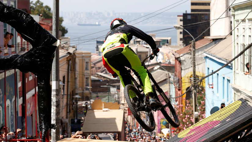 Ciclismo extremo: Así descendió el campeón del Valparaíso Cerro Abajo 2019 (VIDEOS)