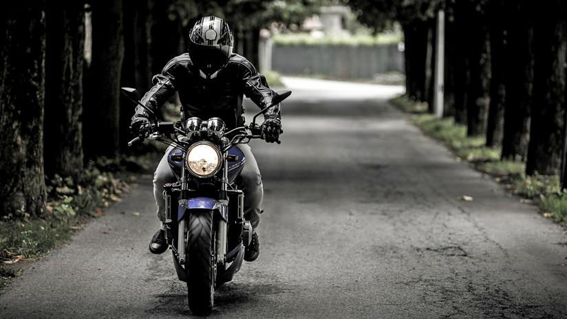 VIDEO: El peligroso viaje de un argentino a 300 km/h en su motocicleta