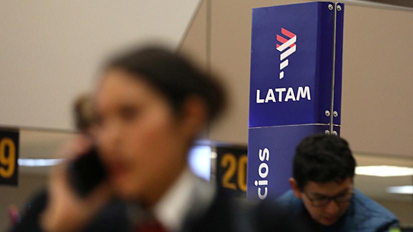 Avión con ministro de Agricultura a bordo aterriza de emergencia en Perú por amenaza de bomba
