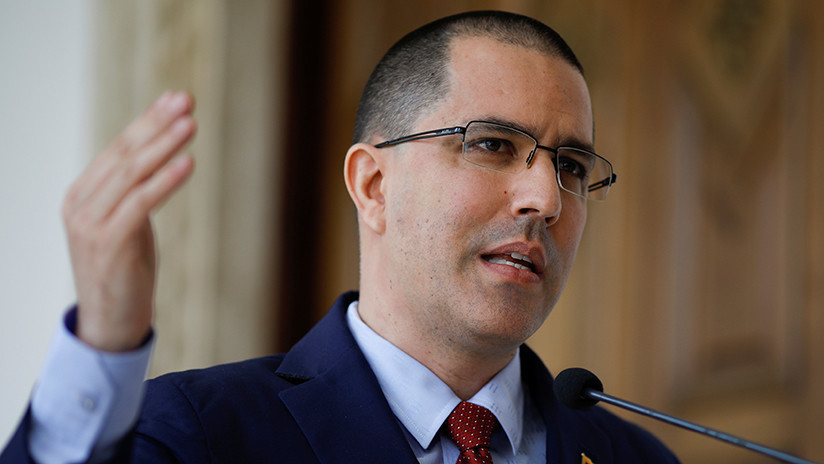 """Arreaza a EE.UU.: """"¿Pretenden comprar la voluntad de los venezolanos con una galleta?"""""""
